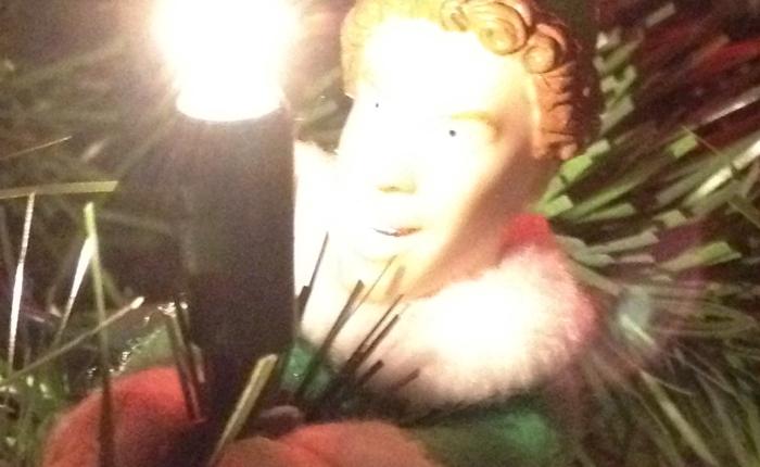 A Christmas DittyMau